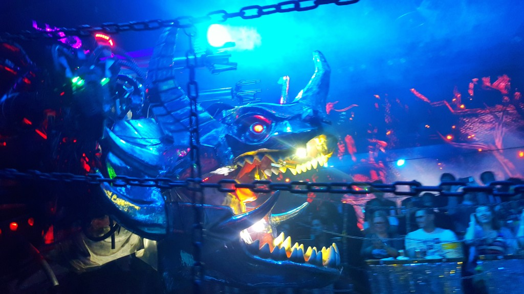 robot restaurant, tokyo, japan, tourist, must see, must do, must go